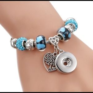 Jewelry - Blue 💙 Tree of life charms chains bracelet